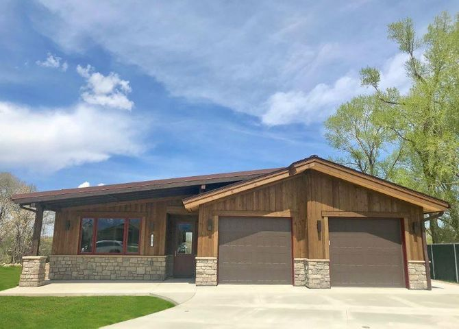 19 Creekside Lane, Sheridan, WY 82801