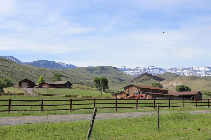 1842 S Fork Road, Cody, WY 82414