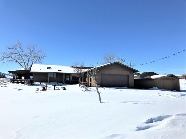 62 Airport Road, Buffalo, WY 82834