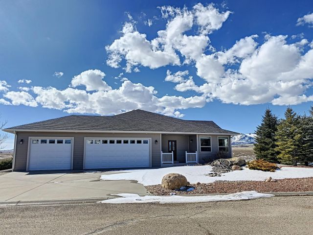 585 S Pinnacle Drive, Buffalo, WY 82834