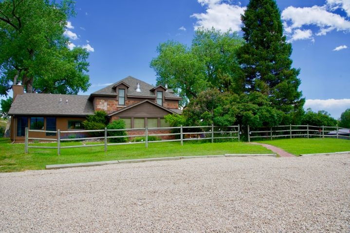 585 Rock Creek Road, Buffalo, WY 82834