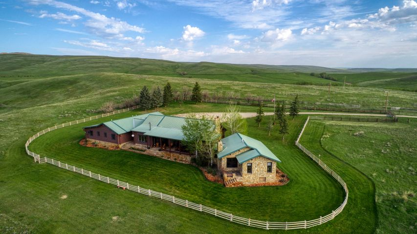 937 Beaver Creek Road, Big Horn, WY 82833