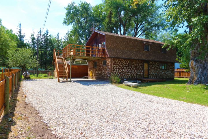 307 River Road, Dayton, WY 82836