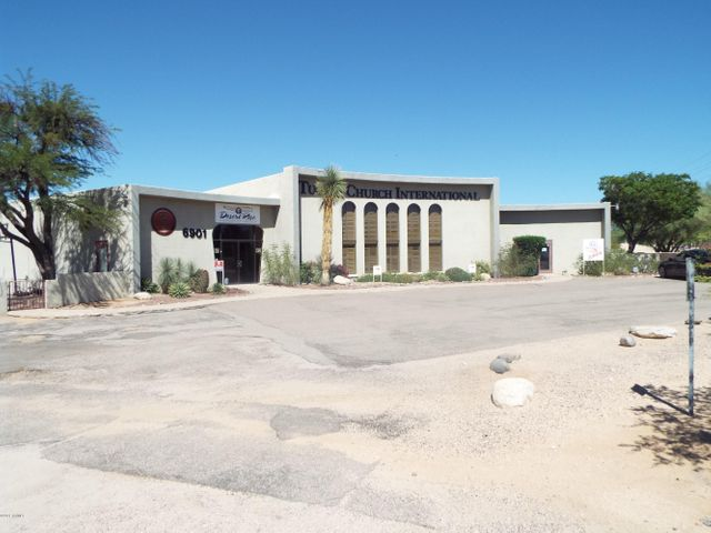 6901 N La Canada Drive, Tucson, AZ 85704