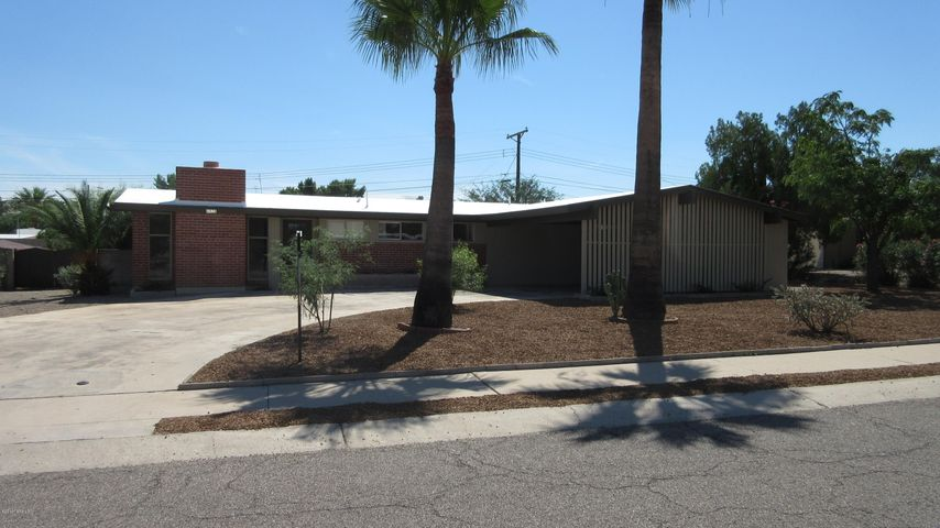 6920 E New Hampshire Drive, Tucson, AZ 85710