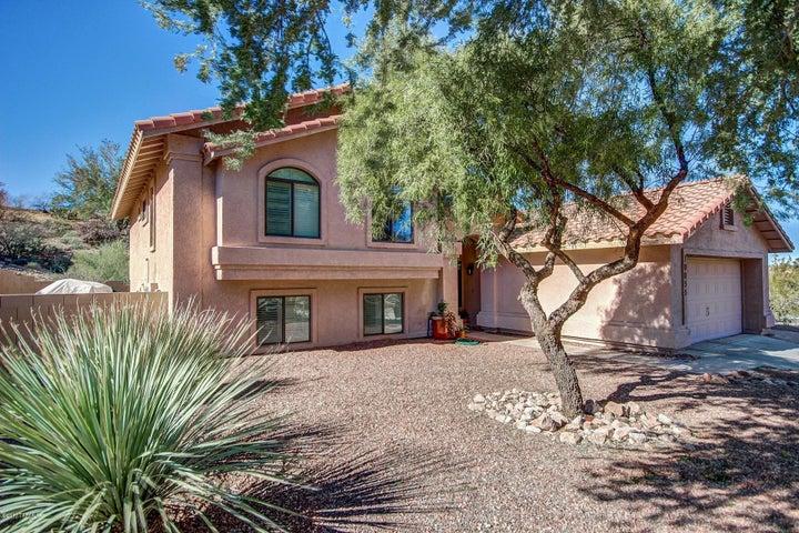 10055 N Roxbury Drive, Oro Valley, AZ 85737