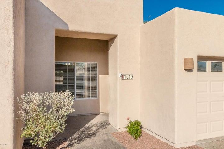 1013 N Del Valle Place, Tucson, AZ 85711