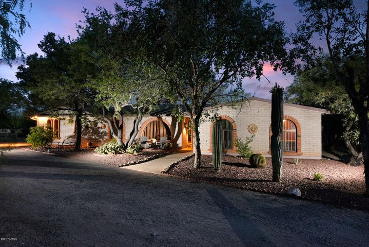 8082 E Coronado Road, Tucson, AZ 85750