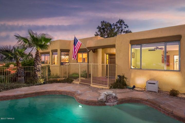 10825 N Poinsettia Drive, Oro Valley, AZ 85737
