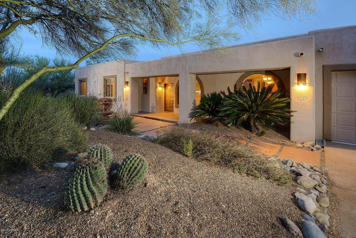 3099 N Fennimore Avenue, Tucson, AZ 85749