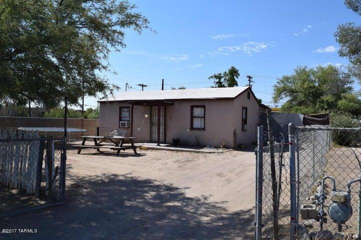 756 W President Street, Tucson, AZ 85714
