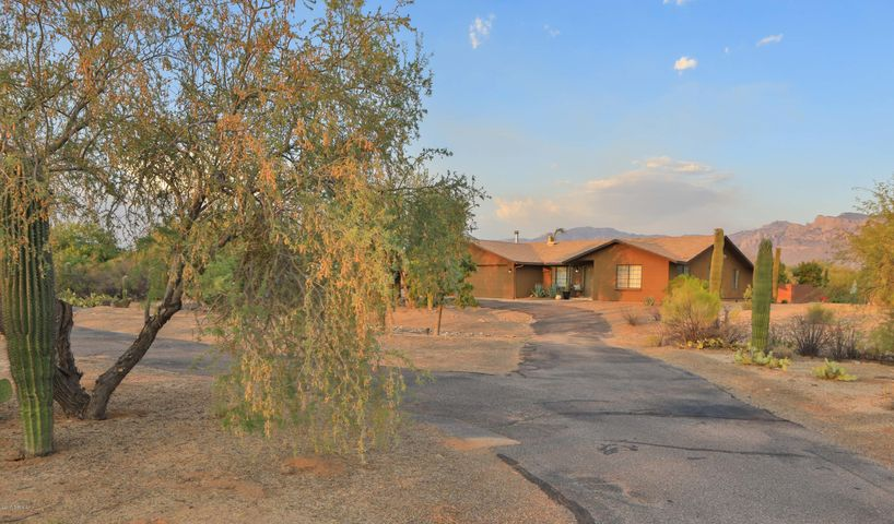 10070 N Shannon Road, Tucson, AZ 85742
