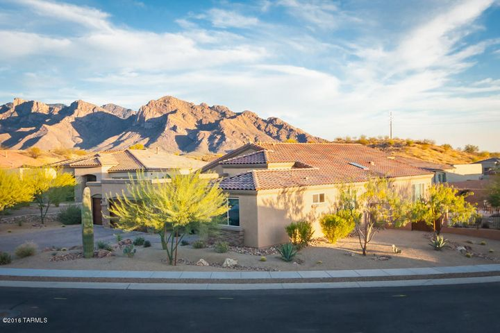 One-Owner 2,394sf 3BR/2½ BA+den w/extended insulated 3½ car garage in Gated Uplands at Lambert Lane.