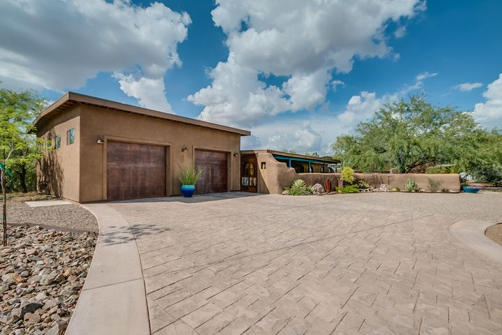 1562 W Dawn Drive N, Tucson, AZ 85704