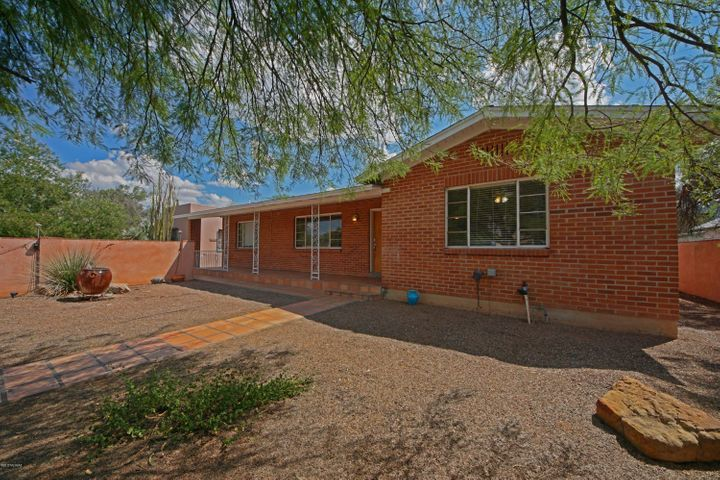 2610 E Elm Street, Tucson, AZ 85716