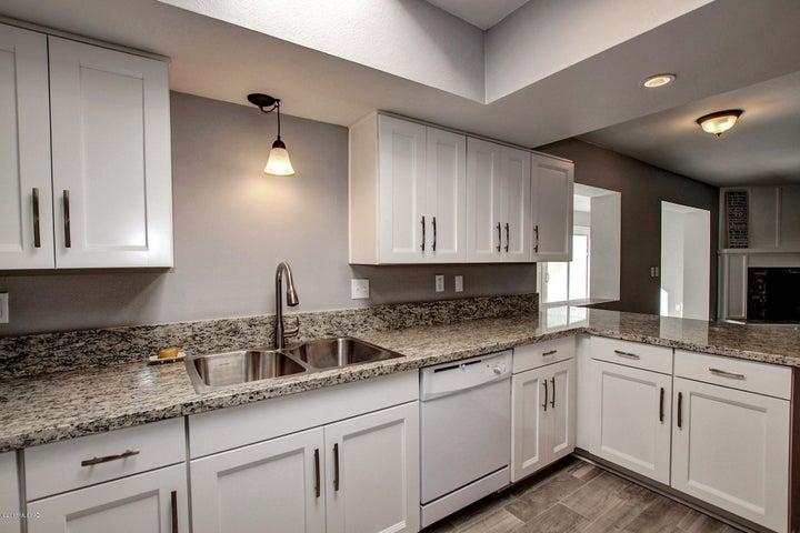 865 N Citadel Avenue, Tucson, AZ 85748