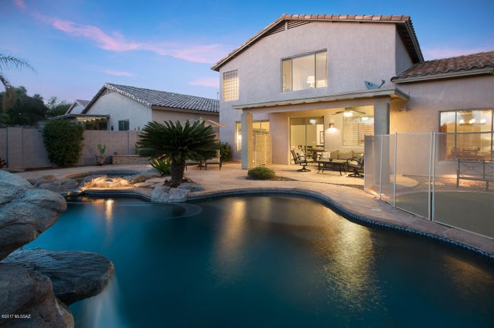 13835 N Bushwacker Place, Oro Valley, AZ 85755