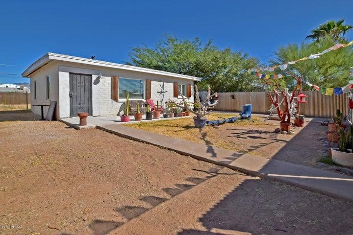 4261 E Caminio De La Colina, Tucson, AZ 85711