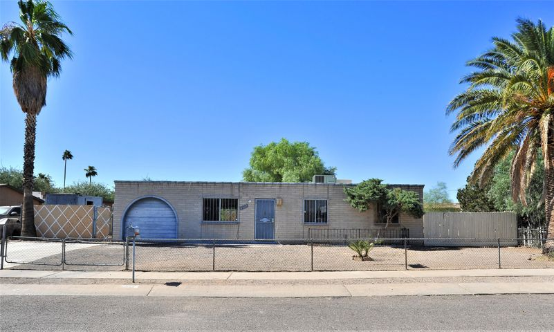 6364 S San Gabriel Avenue, Tucson, AZ 85746