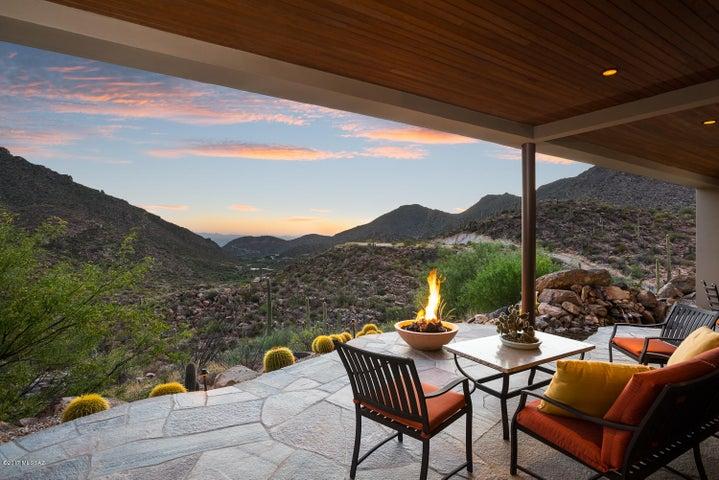 Mountain range panoramas & incredible sunset views.