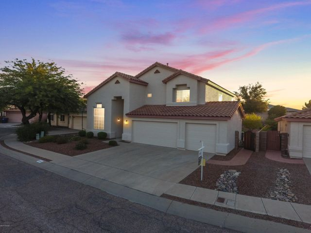 Convenient East-Side Location near Wrightstown and Pantano. Immaculate 5- Bedroom 3- Bedroom home with 3-Car Garage on Cul de Sac Lot