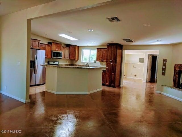 755 W Las Lomitas Road, Tucson, AZ 85704