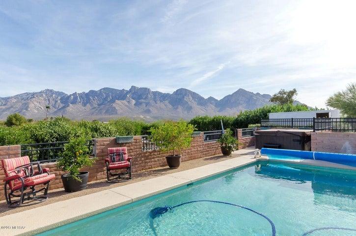 11700 N Mandarin Lane, Oro Valley, AZ 85737