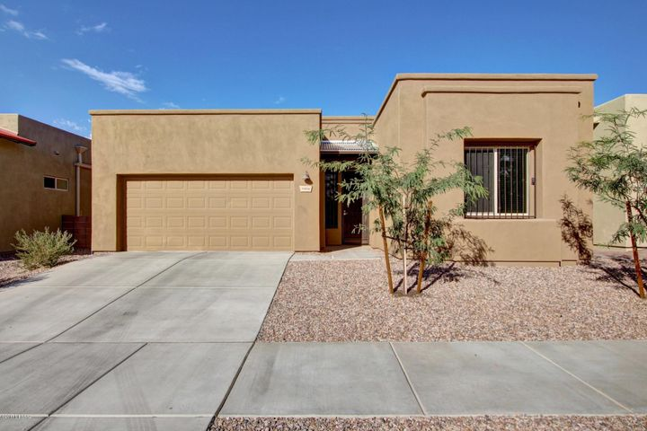 8916 E Wright School Loop, Tucson, AZ 85715