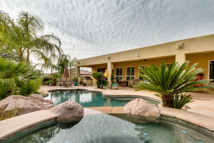 12750 N Piping Rock Road, Oro Valley, AZ 85755