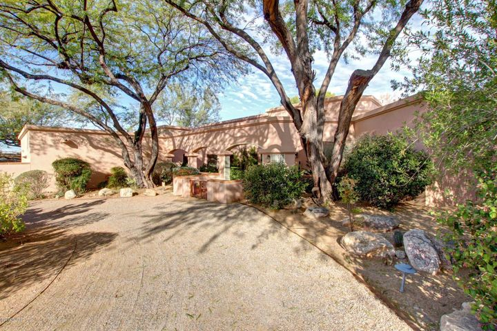 6731 E Calle Buena, Tucson, AZ 85715