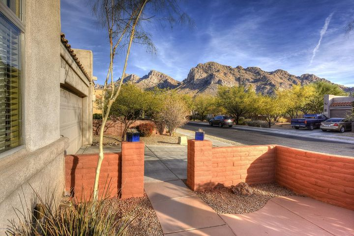 175 E Sky Light Street, Oro Valley, AZ 85737