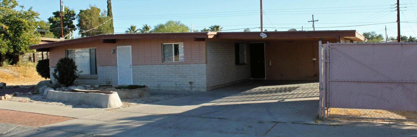 8624 E Kenyon Drive, Tucson, AZ 85710
