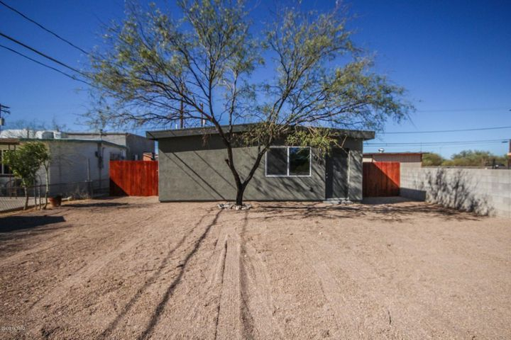 1812 S Cherry Avenue, Tucson, AZ 85713