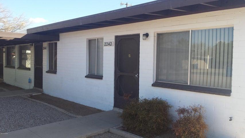 2246 N Catalina Avenue, Tucson, AZ 85712
