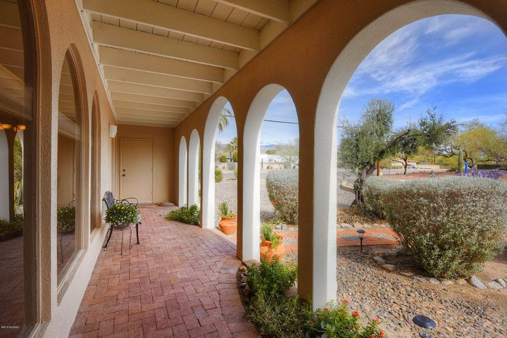 3349 N Camino Esplanade, Tucson, AZ 85750