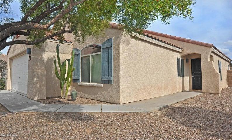 8962 N School Hill Drive, Tucson, AZ 85743