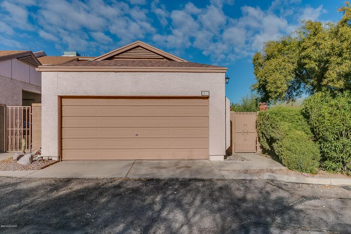 2577 N Palo Santo Drive, Tucson, AZ 85745