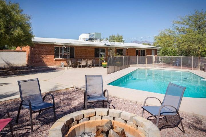 247 S Placita Aldaco, Tucson, AZ 85710