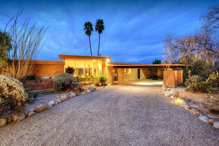 7102 N Corrida De Venado, Tucson, AZ 85718