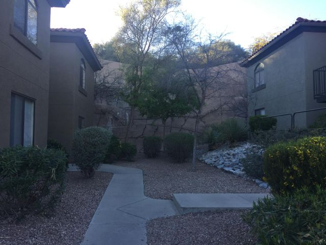 5751 N Kolb Road, 17202, Tucson, AZ 85750