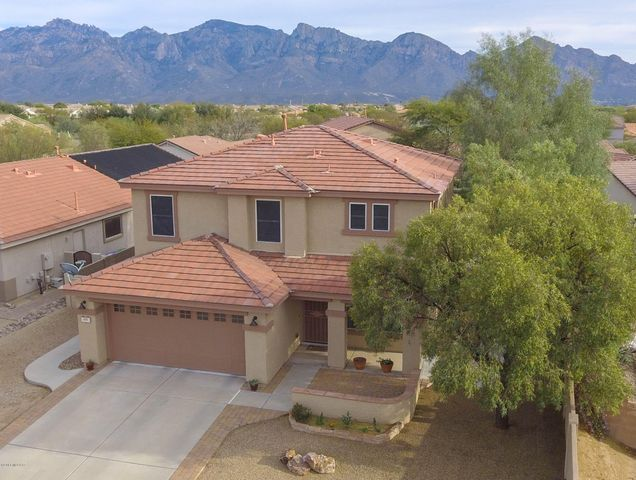 635 W Red Barberry Drive, Oro Valley, AZ 85755