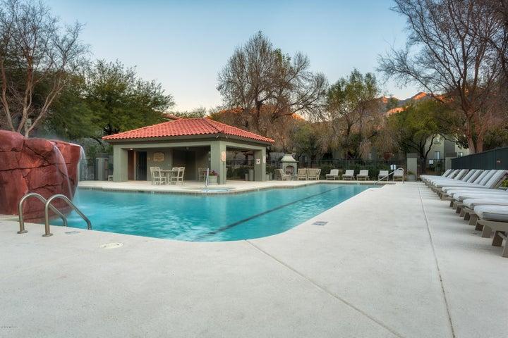 5751 N Kolb Road N, 32204, Tucson, AZ 85750