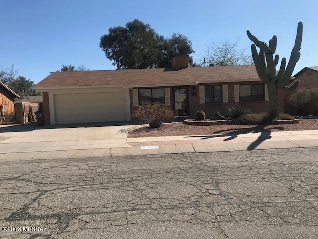 2915 W Nutmeg Drive W, Tucson, AZ 85741