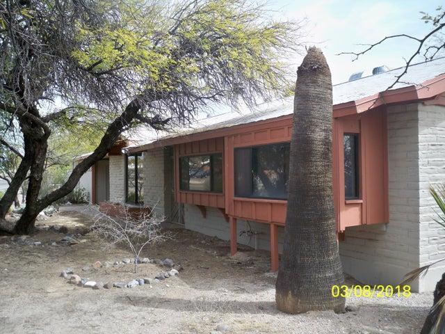8302 E Kenyon Drive, Tucson, AZ 85710