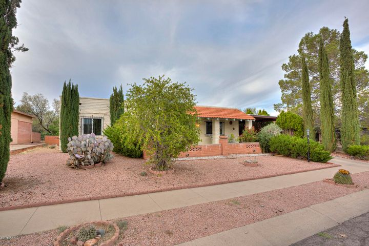 161 E La Espina, Green Valley, AZ 85614