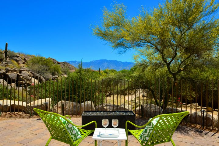 14318 N Mickelson Canyon Court, Oro Valley, AZ 85755