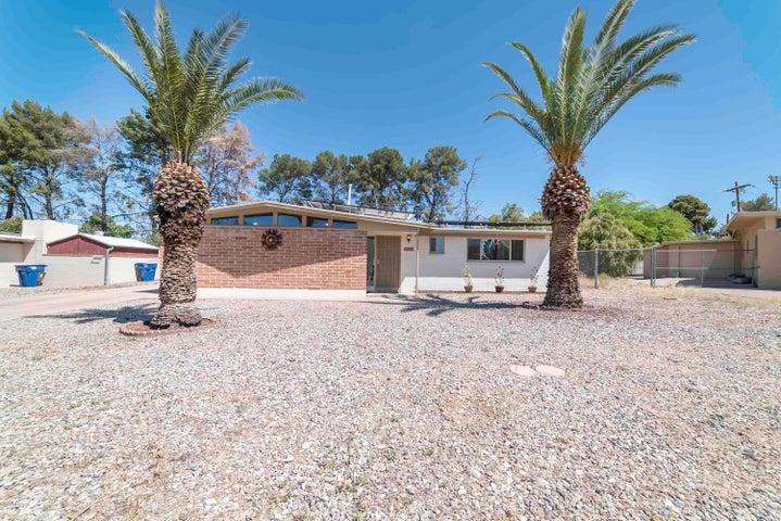 6809 E Hayne Street, Tucson, AZ 85710