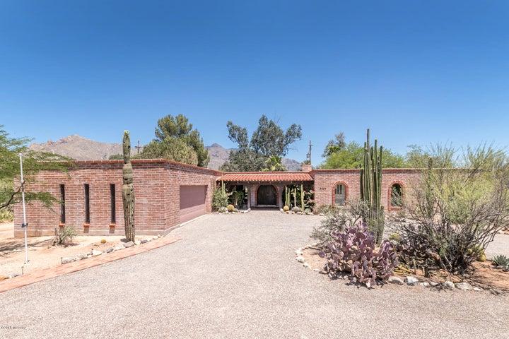 6840 N Nanini Drive, Tucson, AZ 85704