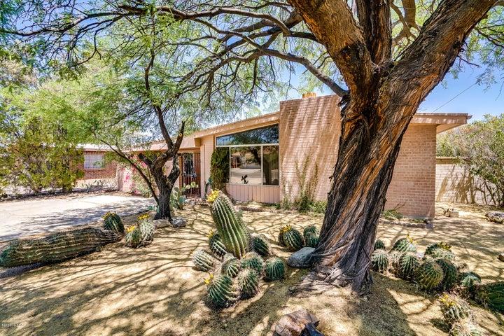 5865 E 2nd Street, Tucson, AZ 85711
