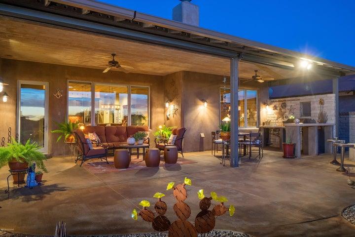 11619 N Adobe Village Place, Marana, AZ 85658